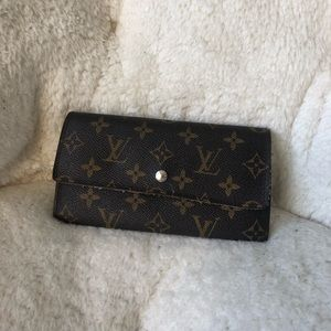 Louis Vuitton floral insolite snap button wallet